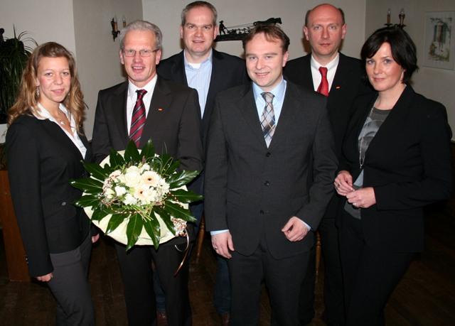 v.l.: Rebecca Pier, 1 Vorsitzende JU/2. Vorsitzende CDU, BM Friedhelm Kleweken, 2. Vorsitzender Jörg Oeing, Fraktionsvorsitzender Berthold Langehaneberg und Vorsitzende Martina Schrage